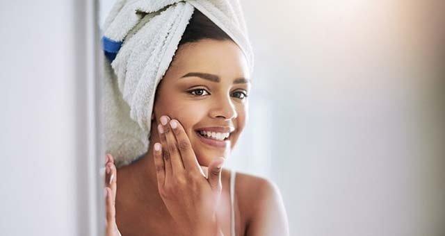 پوست خود را از لكه و جای جوش پاك سازی كنيد تا به پوستی زيبا دست پيدا كنيد.